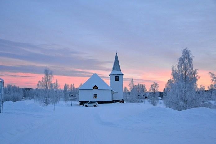 Храм у шведській Лапландії. Фото з https://pixabay.com