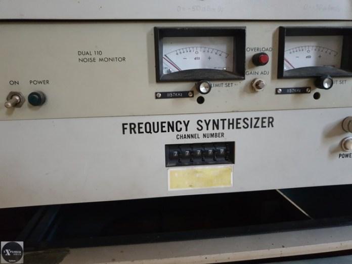 Ця штука створює на виході довільну частоту яку задали.