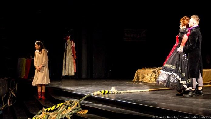 Сцена з вистави Помста (Zemsta)