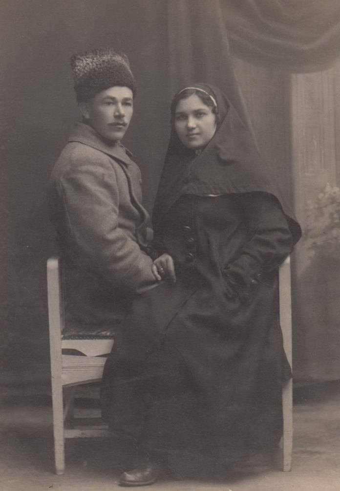 Іван та Олена Бондарі в Тучині, 1918 р.