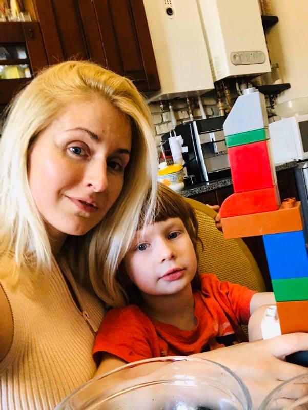 Співачка МЯТА з сином