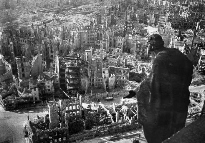 Дрезден, 1945