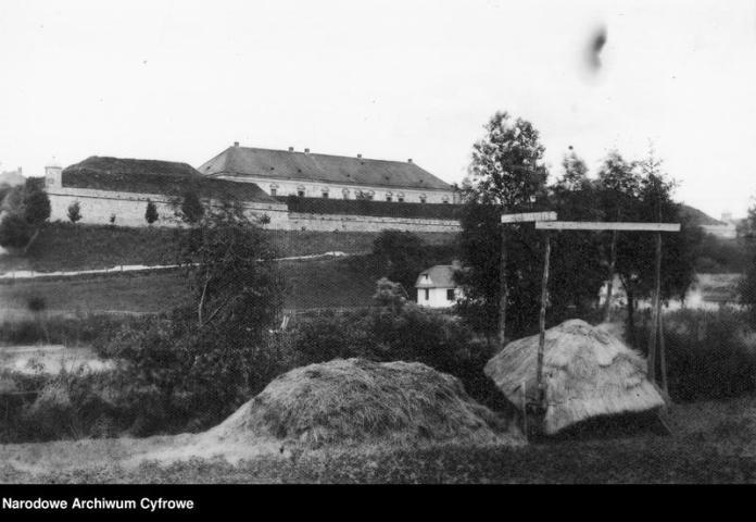 Фрагмент мурів в Жовкві