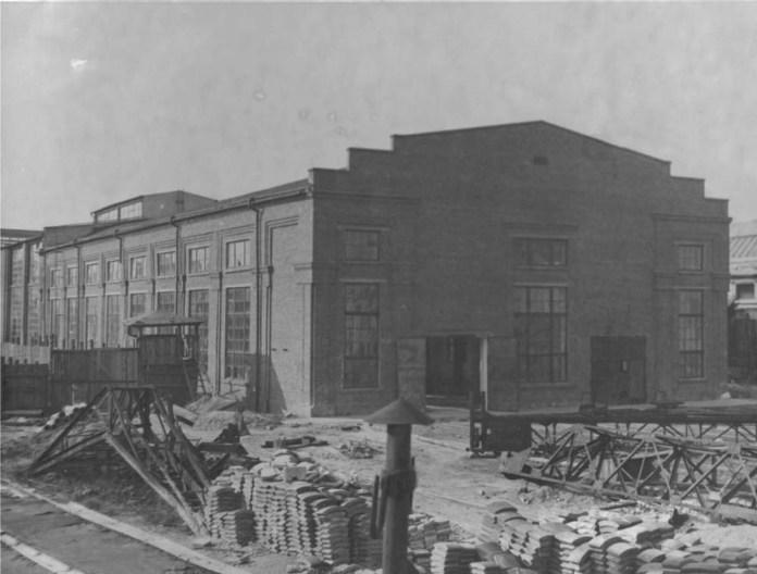 Один із нових виробничих цехів залізничних майстерень, збудований у 1920-х роках