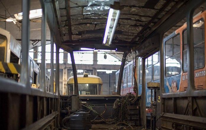 Капітально-відновлювальний ремонт трамвайного вагона «Tatra KT4SU» № 1088 у ВРМ. Початок 2017 р.