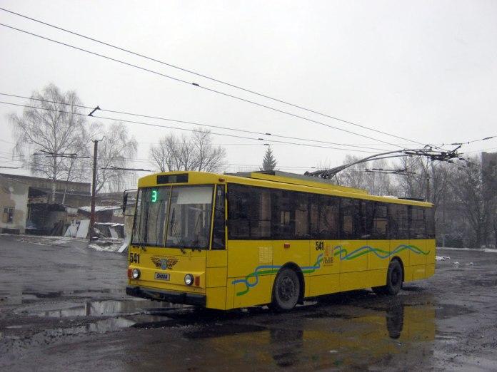 Тролейбус «Skoda 14Tr» № 541 після капітально-відновлювального ремонту і модернізації. Листопад 2016 р.
