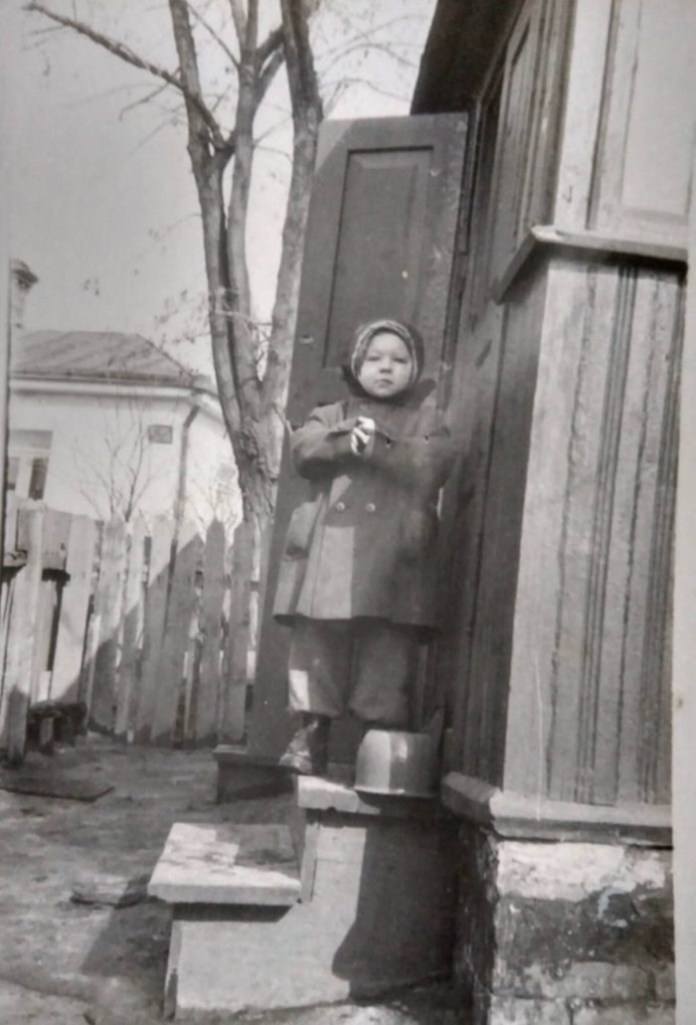 """Я на ганку свого будинку. Дитяча """"мода"""" 1960-х"""