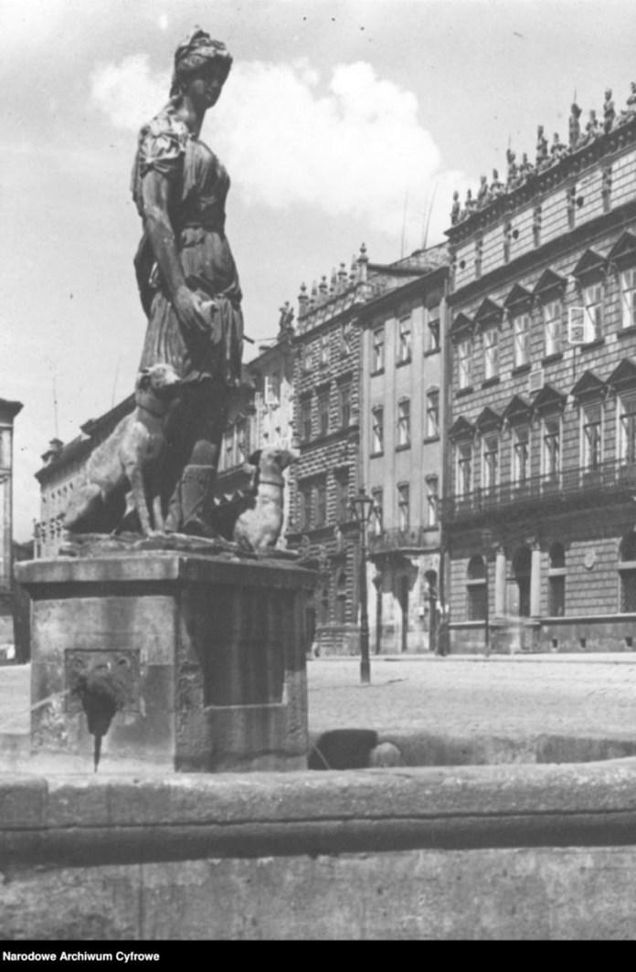 Площа Ринок. Діана, 1930-ті рр.