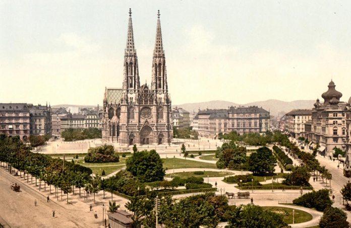 Так виглядала Votivkirche («Обітна церква») у Відні в кінці ХІХ століття. У проектуванні і будівництві цього собору в студентські роки брав участь Людвік Вежбицький