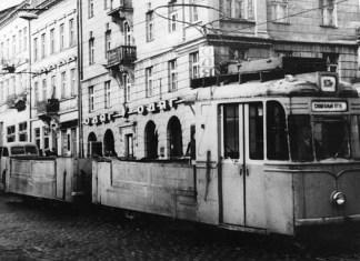 Вантажний трамвайний потяг на основі «Gotha Т57/В57» на вулиці Городоцькій. 1970-ті рр..