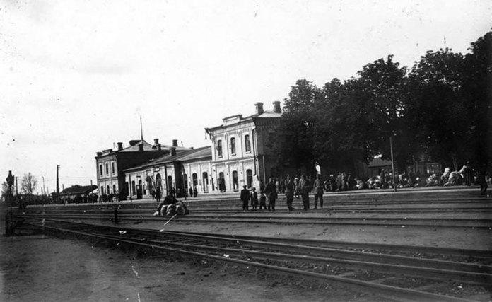 Залізничний вокзал у місті Рівному. 1916 рік. Світлина із архіву Світлани Калько (Рівне)