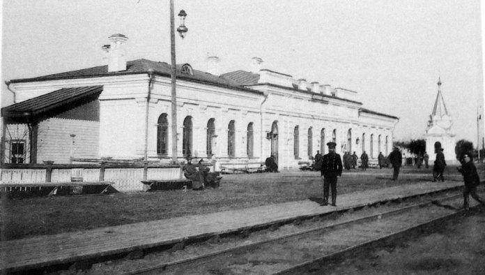 Залізничний вокзал на станції Володимир-Волинський. Фото 1908 р.