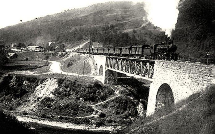 Міст-віадук в Ясіні. Фото початку ХХ ст.