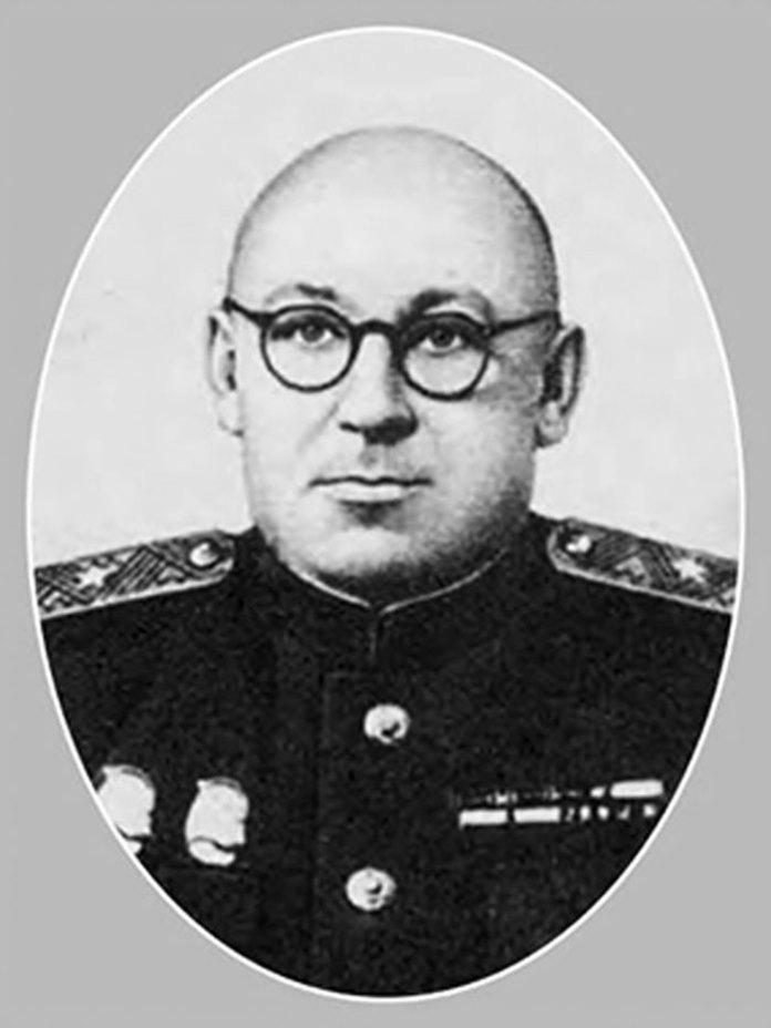 Микола Іванович Петров, начальник Ковельської залізниці у 1939-41 рр. і 1944-53 рр.