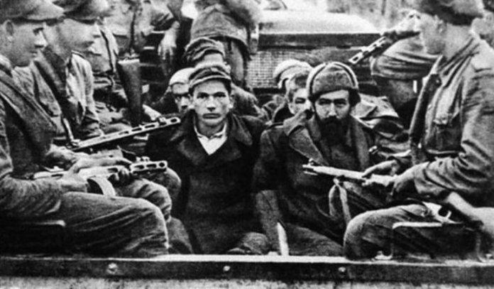 """Під час операції """"Захід"""" людей витягали із домівок, везли на вокзали і відправляли товарними вагонами за межі України Фото: armyinform.com.ua"""