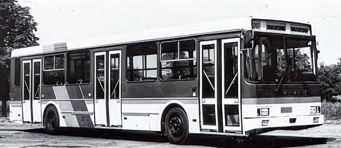 Прототип автобуса КамАЗ-5262, побудований на базі моделі 5256. 1993 р.