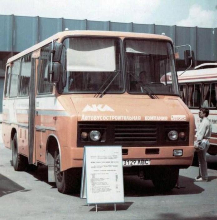 Прототип автобуса 4209, розроблений ВКЕІ «Автобуспром» у Львові