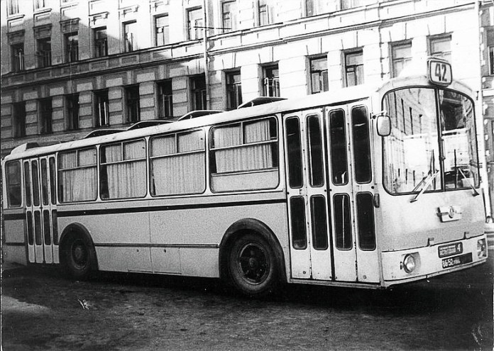 Автобус-прототип середнього класу ЛАЗ-698 «Львів-2»