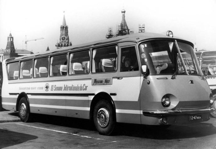 Експериментальний автобус підвищеного комфорту «Україна – 67» у Москві