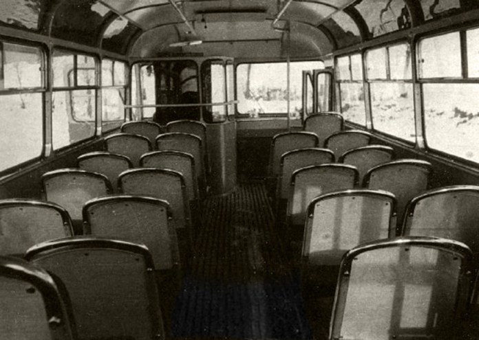 Салон серійного автобуса ЛАЗ-695Б