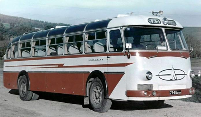 Серійний туристичний/міжміський автобус ЛАЗ-699А «Турист». Фото 1964 р.