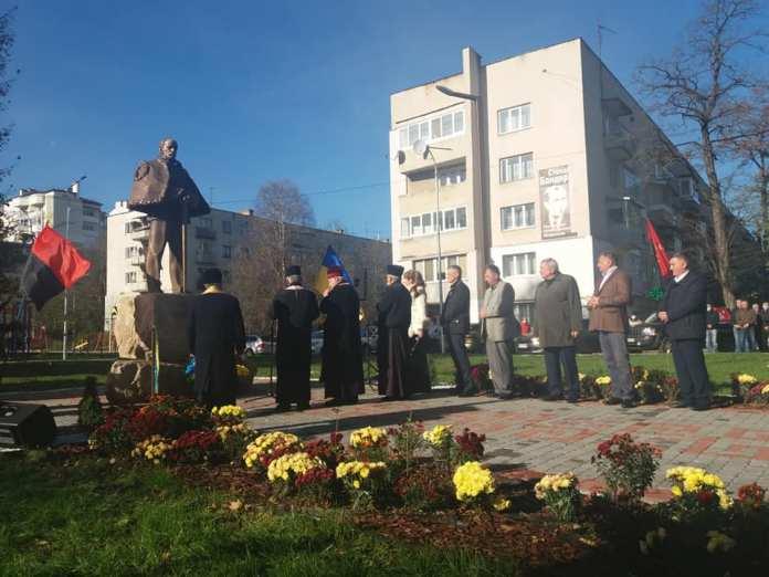 Відкриття пам'ятника Зіновію Красівському