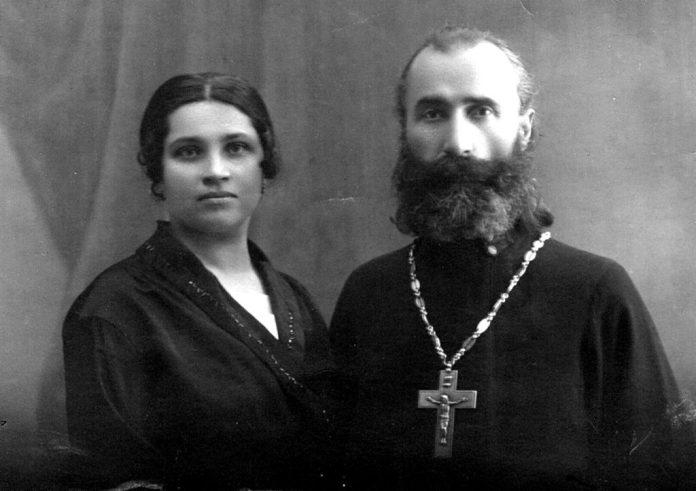 Батьки Л.Молчановського о. Серафим і Пелагея, 1925