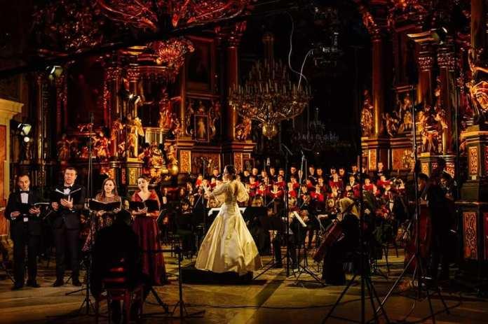 Оксана Линів та оркестр INSO-Lviv презентували різдвяний концерт