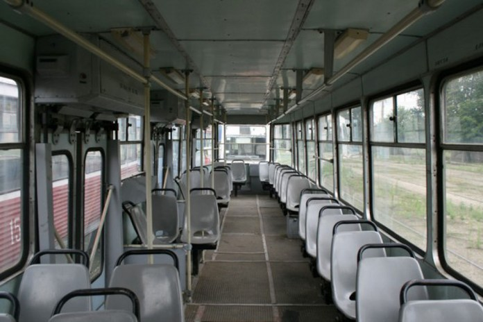 Салон трамвая ЛТ-10 виробництва «Луганськтепловозу»