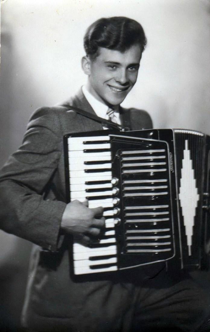 Ростислав Бабич з улюбленим акордеоном