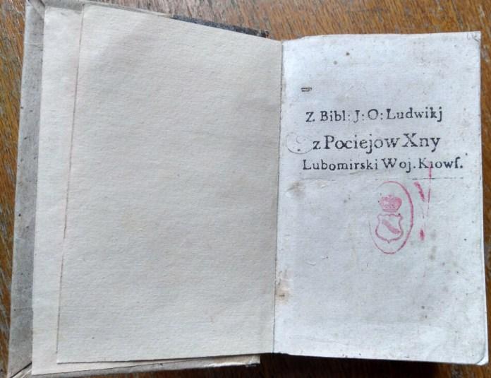 Шрифтовий екслібрис Людвики Гонорати Любомирської, поряд гербовий екслібрис Любомирських