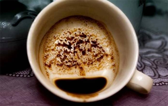 Дерево на кавовій гущі