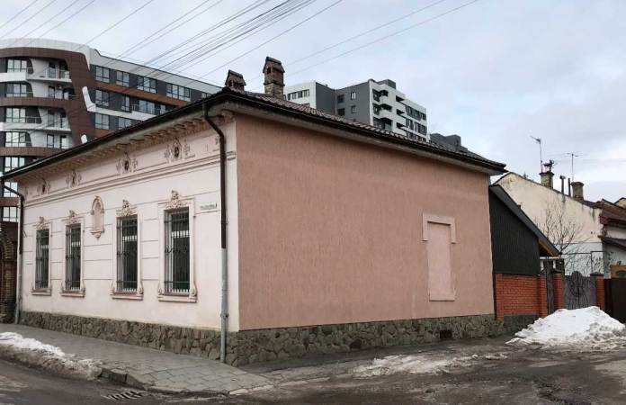 Кам'яниця на розі Городницької і Б.Тена.Світлив Zommersteinhof