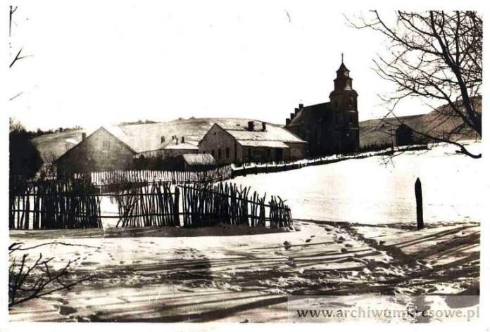 Костел в с. Козаки, 1916 р. (Джерело: http://archiwumkresowe.pl)