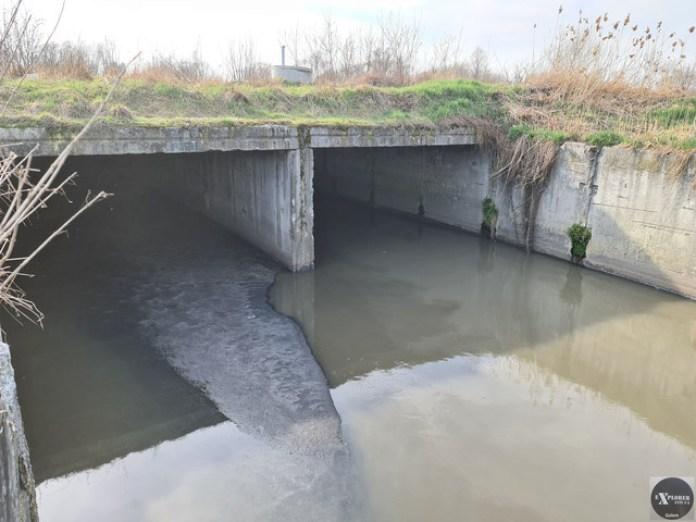 Ми йшли тією гілкою що ліворуч на фото. Там менше води.