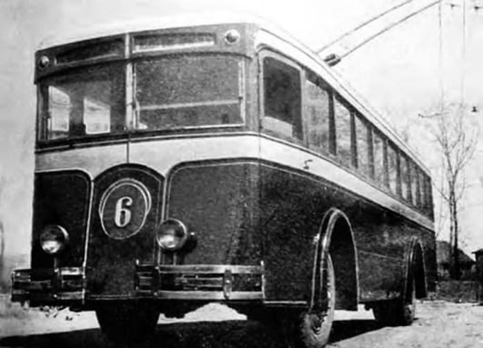 Тролейбус ЛК-5 у місті Києві. Фото 1935 року із колекції Костя Козлова