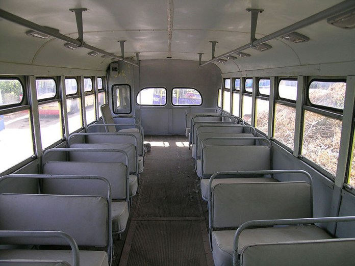 Салон музейного тролейбуса МТБ-82Д. Вигляд в хвостову сторону. Сучасне фото