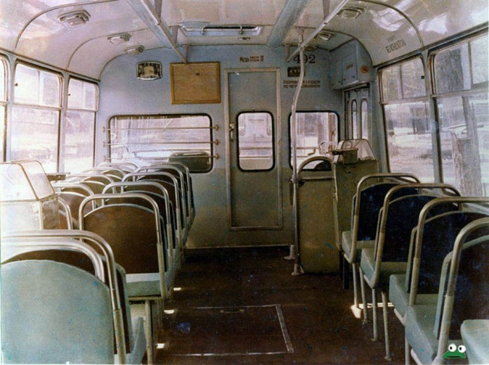 Салон тролейбуса «Київ – 4». Фото із архіву Київського музею історії транспорту
