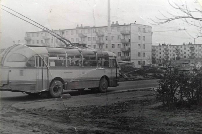 Тролейбус ЛАЗ-695Т, який на КЗЕТі випускався як «Київ – 5ЛА». Фото зроблене у 1969 році у Львові на вулиці Любінській. Автор фото – Дмитро Матушкін