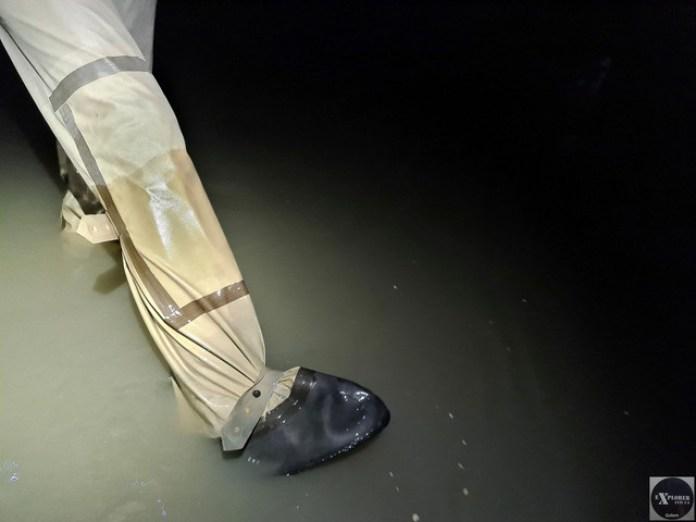Ось глибина води від бортика. По центру тут взагалі по груди