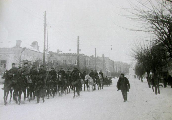 Партизани на вулицях Рівного