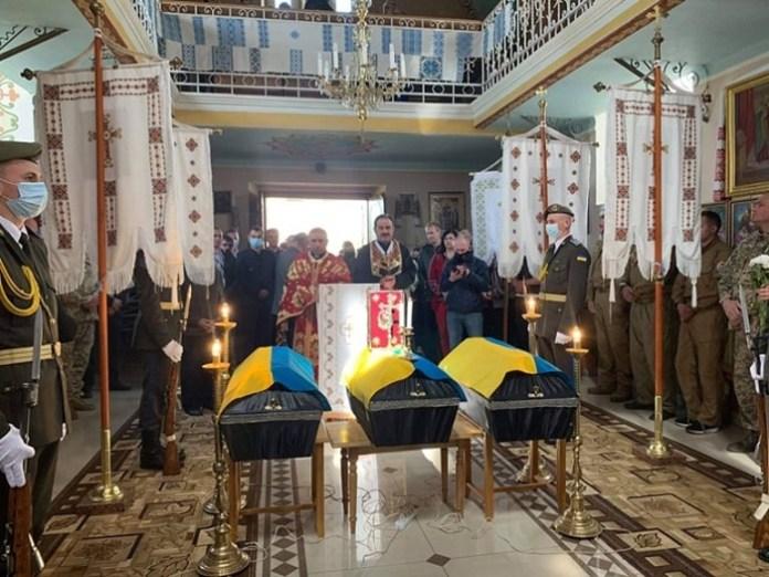 На Львівщині перепоховали трьох невідомих воїнів УПА