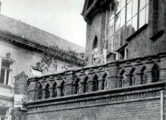 Олекса Новаківський на терасі своєї майстерні. Фото 1935 р.