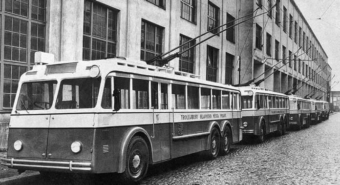 Тролейбус «Škoda 2Tr» у Празі. Фото 1938 року