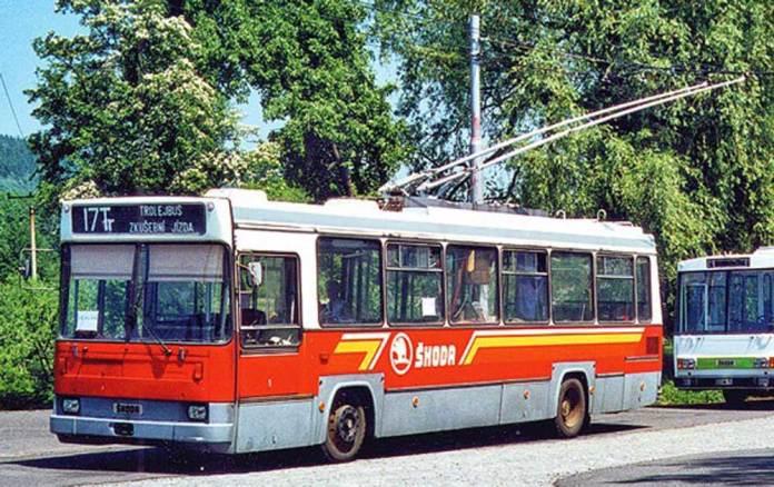 Тролейбус «Škoda 17Тr» у місті Острава