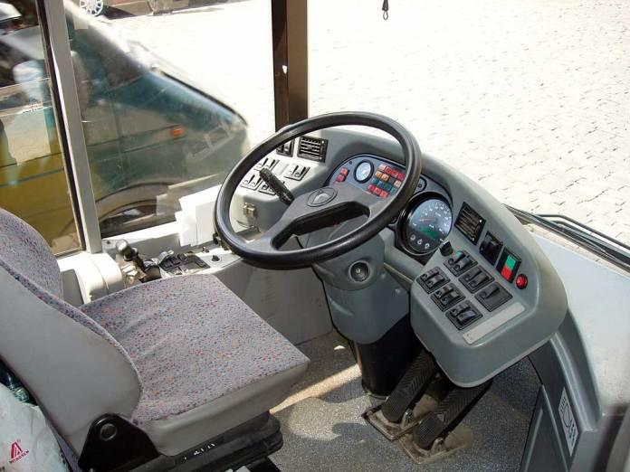 Робоче місце водія тролейбуса ЛАЗ Е183D1