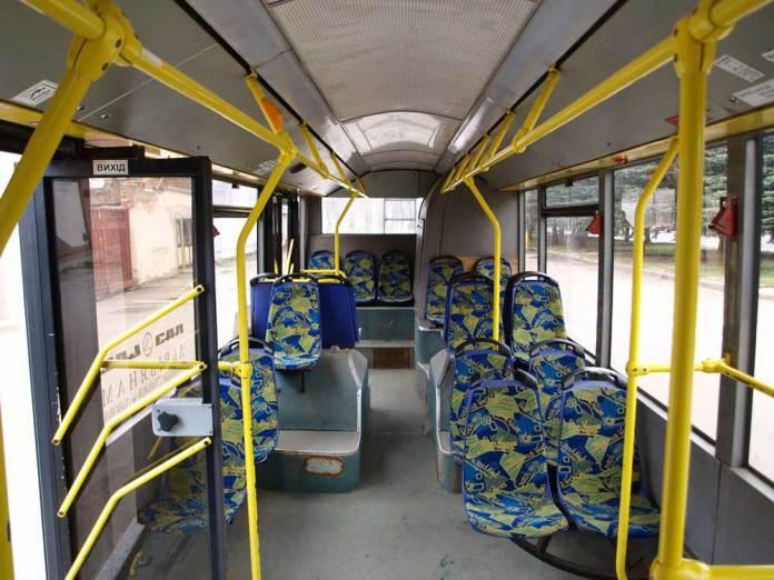 Салон першого львівського тролейбуса ЛАЗ Е183D1 № 100 через 4 роки експлуатації. Автор фото – Андрій Василюк