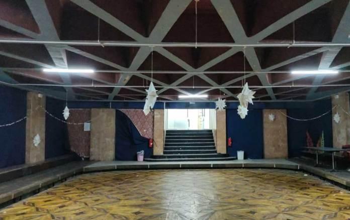 «Гнатів льох» або камерна сцена Палацу культури імені Гната Хоткевича. Сучасне фото