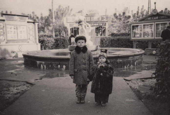 Фонтан на місці, де нині майдан Незалежності, 1950-і рр. Фото В. Гудзія