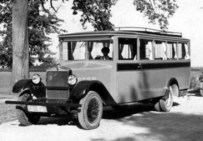 Автобус польського виробництва «URSUS AW», який курсував на маршруті Львів – Винники у 1930-х роках. Фото із колекції Андрія Байцара